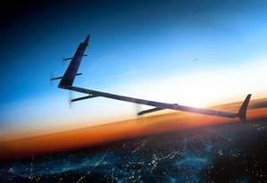 Drone de teste é menor do que será a versão final, que terá envergadura semelhante à de um Boeing 737 Foto: Reprodução / Facebook http://goo.gl/3QS2wE