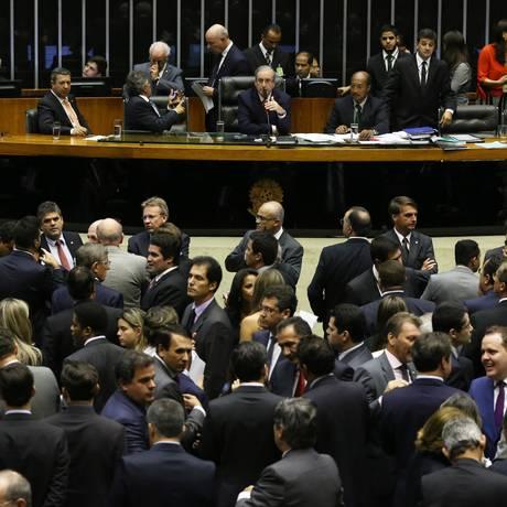 Plenário da Câmara dos Deputados aprovou requerimento de urgência para votar o projeto de lei sobre terceirização Foto: Ailton de Freitas / Agência O Globo