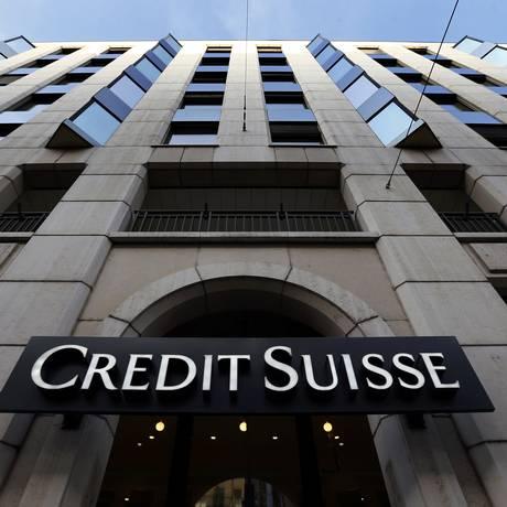 Fachada do banco Credit Suisse, em Genebra. Foto: DENIS BALIBOUSE / REUTERS
