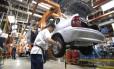 Metalúrgico na fábrica da GM do Brasil, no ABC paulista