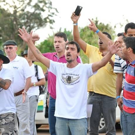 Na quarta-feira (22), representantes dos caminhoneiros protestaram em Brasília após reunião de lideranças com o governo Foto: Fábio Rodrigues Pozzebom / Agência Brasil