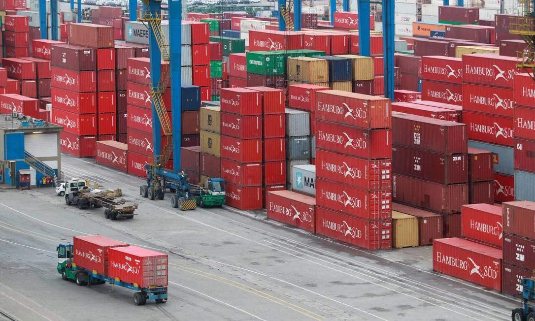 Executivos sugerem medidas que podem ajudar na retomada econômica e que podem ampliar a competitividade do país Foto: Domingos Peixoto / Agência O Globo