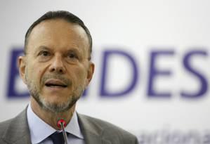 Luciano Coutinho, presidente do BNDES: exportação de serviços ocorre desde a década de 1990 Foto: Gustavo Stephan / Agência O Globo