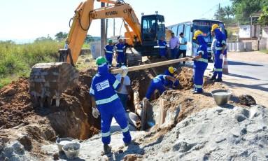 Operários trabalham na drenagem e infraestrutura no município de Itaboraí (RJ) Foto: Divulgação