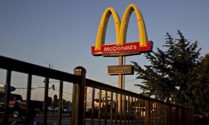 Logo de um restaurante McDonald's no estado de Illinois, nos EUA Foto: Daniel Acker / Bloomberg