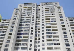 Edifício Hilton Santos, antiga sede do Flamengo, no Morro da Viúva Foto: Pablo Jacob / Agência O Globo