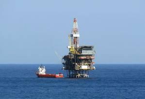Plataforma de petróleo na Bacia de Campos Foto: Ramona Ordoñez / 24/05/2011 / Agência O Globo