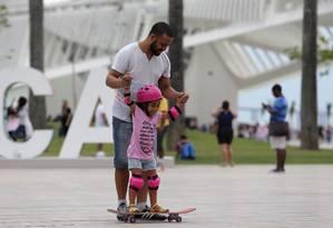 Licença-paternidade extendida: apoio dos trabalhadores, crítica da indústria Foto: Rafael Moraes / Agência O Globo