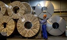 Bobinas de aço em fábrica da ArcelorMittal em Gent, na Bélgica Foto: Paul O'Driscoll / Bloomberg
