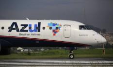 Avião da Azul no aeroporto Santos Dumont, no Rio de Janeiro Foto: Dado Galdieri / Bloomberg