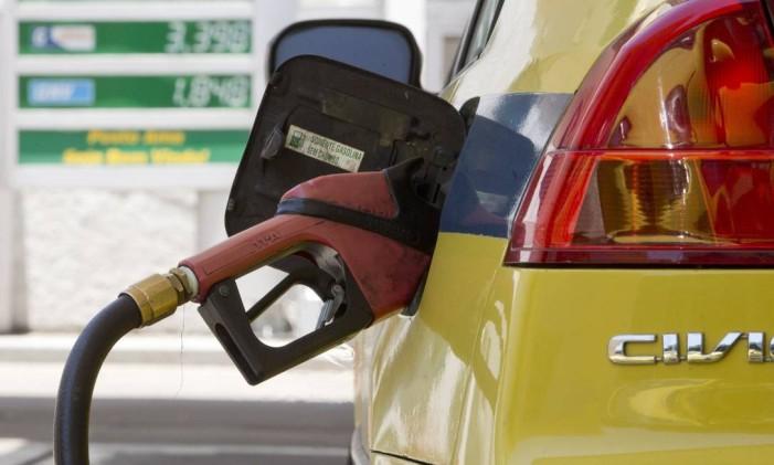 Preço dos combustíveis subiu 1,87% segundo o IPCA-15 de fevereiro Foto: Márcia Foletto / Agência O Globo