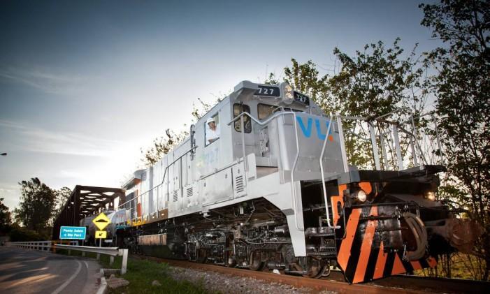 Locomotiva da VLI em Divinópolis (MG): a Brookfield comprou 26,5% da VLI por R$ 2 bilhões. A transação foi concluída em 2014. A Vale detém 36,7% da VLI. Os demais sócios são a japonesa Mitsui e o FI FGTS Foto: Divulgação