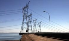 Apoio. Linhas de transmissão em Itaipu: Tiago Correia, diretor da Aneel, diz que investimento previsto no ano é de R$ 30 bilhões Foto: Dado Galdieri / Bloomberg