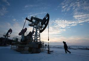 Exploração de petróleo em campo operado pela Bashneft em Otrada, na Rússia Foto: Andrey Rudakov / Bloomberg