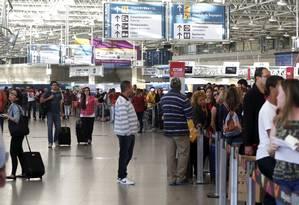 Área de embarque do Terminal 2 do Galeão Foto: Hudson Pontes / Agência O Globo