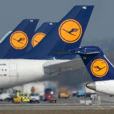 Aviões da Lufthansa no aeroporto de Munique Foto: Christof Stache / AFP