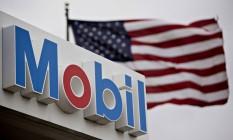 Posto da Exxon Mobil em Cherry Valley, Illinois, Estados Unidos. Petroleira tem o pior lucro trimestral em 17 anos Foto: Daniel Acker / Bloomberg