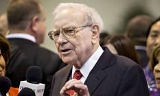 Warren Buffett, presidente e diretor executivo da Berkshire Hathaway, no encontro anual com acionistas Foto: Daniel Acker / Bloomberg