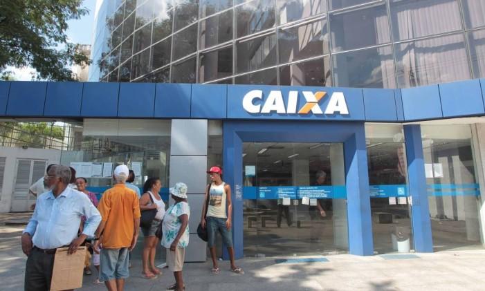 Agência da Caixa Econômica Federal em Nova Iguaçu, Rio de Janeiro Foto: Cléber Júnior / Agência O Globo