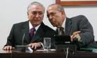 O presidente interino Michel Temer e o ministro da Casa Civil, Eliseu Padilha Foto: André Coelho / Agência O Globo