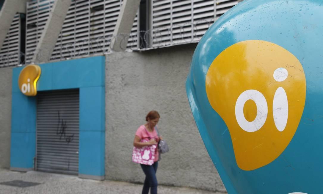 No final de junho de 2016, a Oi entra com pedido de recuperação judicial. Em comunicado ao mercado, a Oi informou que o total de dívida nas mãos dos credores soma R$ 65,4 bilhões Foto: Pedro Teixeira / Agência O Globo