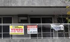 Anúncio de venda de imóvel na Lagoa, Rio de Janeiro Foto: Márcio Alves / Agência O Globo