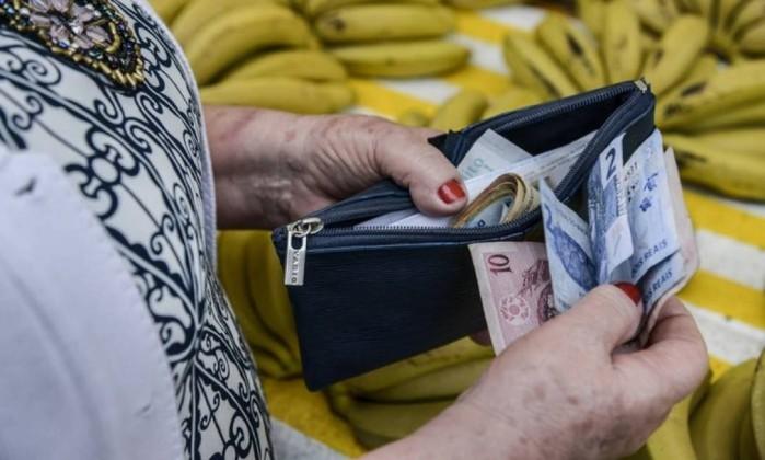 Economistas projetam recuo do PIB brasileiro em 3,20% este ano