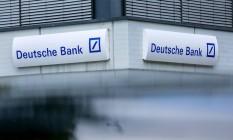 Letreiro de agência do Deutsche Bank em Boblingen, Alemanha Foto: Krisztian Bocsi / Bloomberg