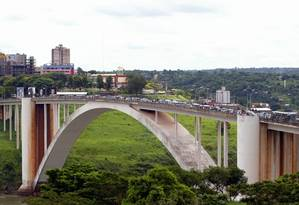 Ponte da Amizade na fronteira Brasil-Paraguai Foto: Michel Filho / Agência O Globo
