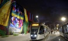 Novo ícone. Painel de Eduardo Kobra, na Zona Portuária, já faz parte dos cartões-postais da cidade Foto: Fábio Rossi / Agência O Globo