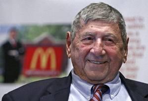 "Michael ""Jim"" Delligatti, criador do Big Mac Foto: Gene J. Puskar / AP"