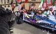 Manifestantes defendem manutenção da Venezuela no Mercosul