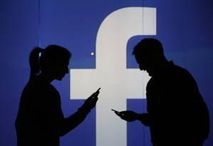 Facebook conecta pessoas Foto: Chris Ratcliffe / Bloomberg