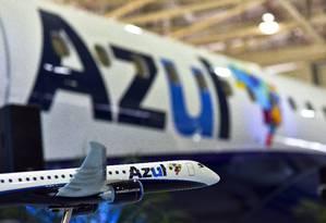 Aeronave da Embraer, parte da frota da Azul Foto: Lucas Lacaz Ruiz / Agência O Globo