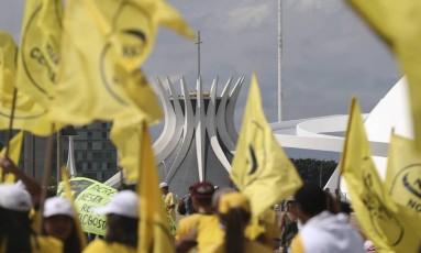 Manifestação na Esplanada dos Ministérios em Brasília Foto: Andre Coelho / Agência O Globo