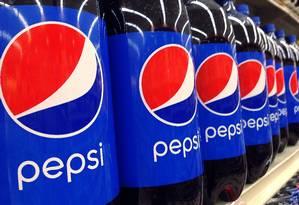 Garrafas de Pepsi em um supermercado. Foto: Elise Amendola / AP