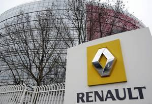 Fábrica da Renault em Paris: fabricante de automóveis paralisou produção para interromper propagação de ciberataque Foto: BERTRAND GUAY / AFP