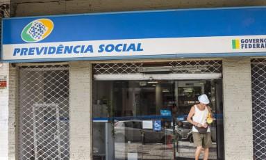 Agência do INSS Foto: Guito Moreto / Agência O Globo