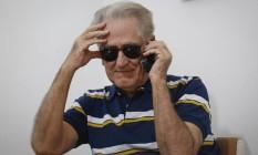 Marques deixa o telefone na secretária eletrônica Foto: Alexandre Cassiano / Agência O Globo