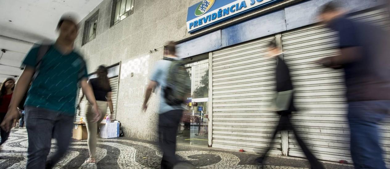 Agência do INSS no Rio de Janeiro Foto: Ana Branco / Agência O Globo