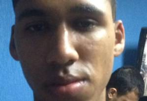 Soldado recruta do Exército Matheus Ferreira Lopes Aguiar, de 19 anos, preso por vazar informações a traficantes Foto: Reprodução / G1