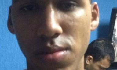 Soldado recruta do Exército Mateus Ferreira Lopes Aguiar, de 19 anos, preso por vazar informações a traficantes Foto: Reprodução / G1