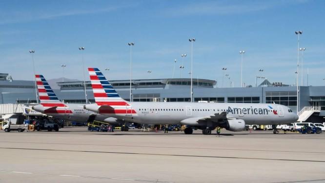 Aviões da American Airlines no aeroporto de Las Vegas, EUA. Foto: RHONA WISE / AFP