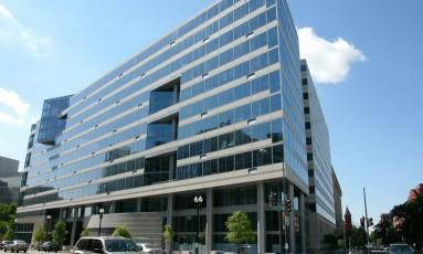 Fachada do edifício-sede do Fundo Monetário Internacional (FMI), no centro de Washington. Foto: José Meirelles Passos / Agência O Globo
