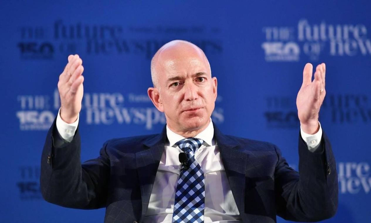 O fundador da Amazon, Jeff Bezos, o homem mais rico do mundo, ficou US$ 11,7 bilhões mais rico este ano Foto: ALESSANDRO DI MARCO / ANSA