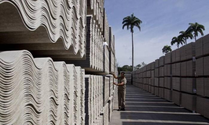 Resultado de imagem para Eternit deixará de usar amianto em fabricação de telhas até 2018