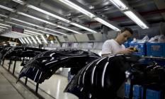 Indústria automobilística aponta sinais de crescimento. A fábrica da Nissan, em Resende, contratou cerca de 600 funcionários em 2017 e vai começar um novo turno de trabalho. Foto: Márcia Foletto / Agência O Globo
