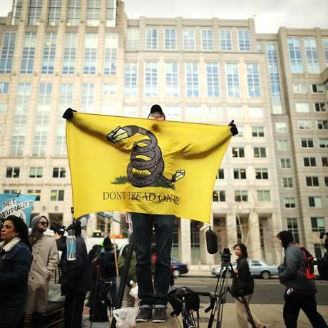 Protestos contra o fim da neutralidade de rede nos EUA Foto: CHIP SOMODEVILLA / AFP