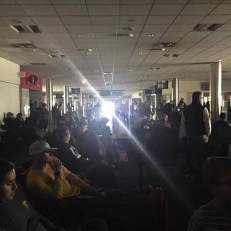 Apagão no aeroporto de Atlanta, nos EUA Foto: Reprodução de Twitter de passageira