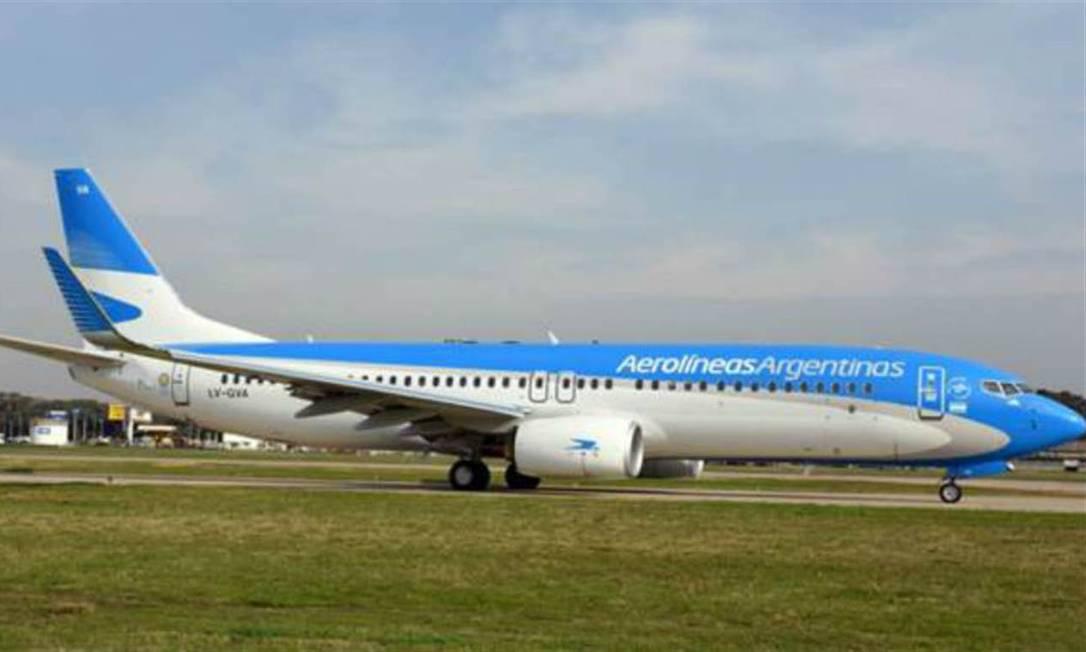 Avião da Aerolíneas: empresa era uma das que mais se opunham ao aumento de voos semanais entre Brasil e Argentina Foto: Divulgação